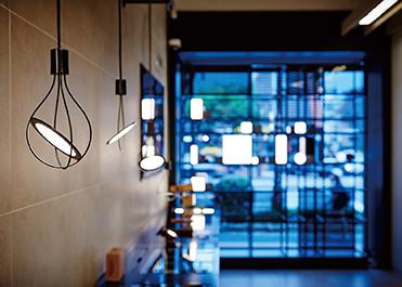 UIV OLED照明公司展示及OLED照明应用案例